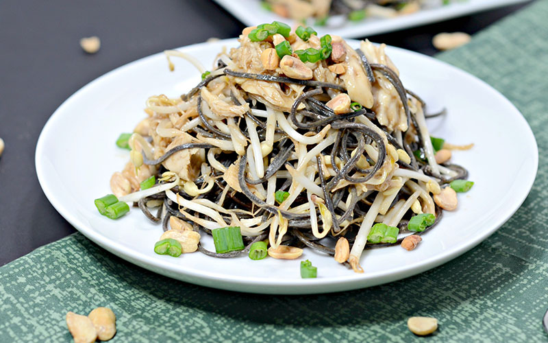 High-Protein Chicken & Peanut Black Bean Pasta