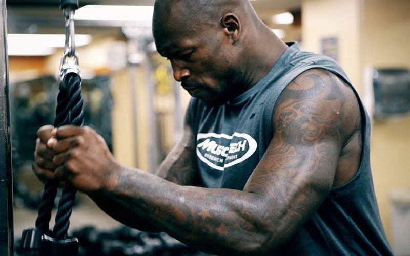 3 Ways to Increase Your Bench Press Strength with Vernon Davis