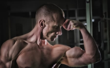 Big Biceps Without Curls: The Anti-Isolation Bodybuilding Method