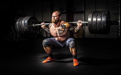 What Powerlifters Can Learn from Bodybuilders (And Vice Versa)