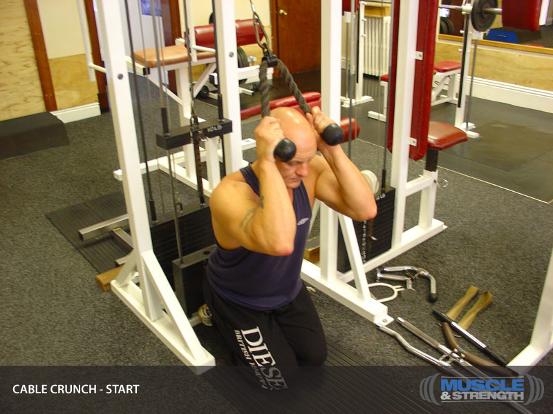 Cable Crunch: Video Exercise Guide & Tips