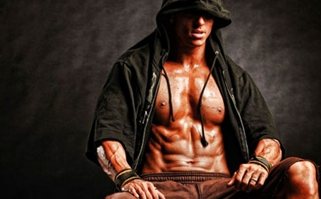 Trainer and NPC Physique competitor Melih Cologlu talks a...