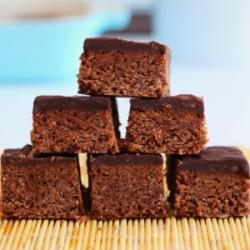 Chocolate And Peanut Butter Protein Bars