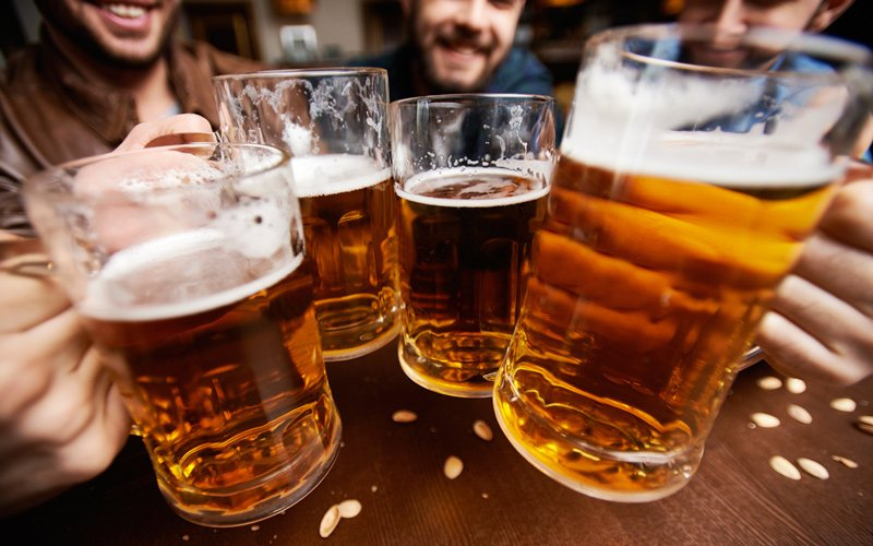 5 Reasons You Can't See Your Abs - Beer with Friends