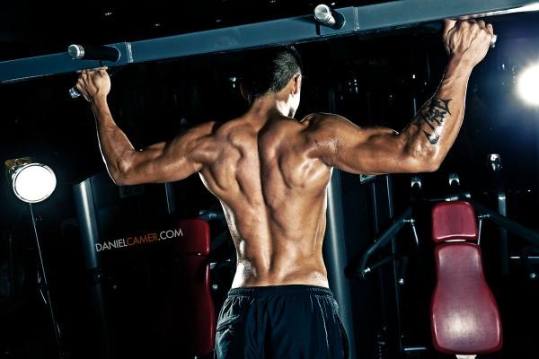 En el gym haciendo ejercicios de brazo quiero sexohola amigo disculpavivo en venezuela estoy sin dinero para mis hijosayudame solo ingresando y dandole skip ad en este enlace httpmetbzabigailayudameporfavor - 4 6