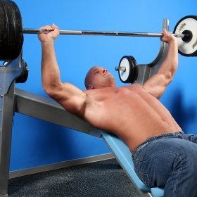 Increasing Your Bench Press - Top 10 Tips | Muscle & Strength