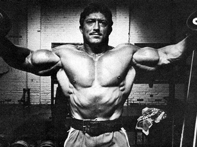 kal szkalak biceps