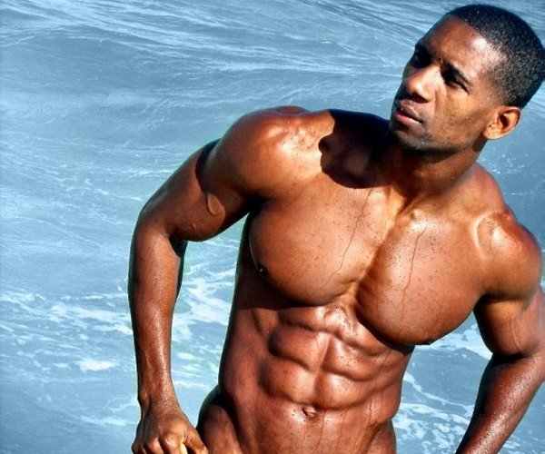 10 Amazing Abs: Some Of The Best Shredded 6 Packs On The