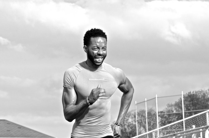 Eric Brown sprinting