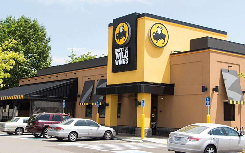 10 Best Muscle Building Meals At Big Chain Restaurants - Buffalo Wild Wings