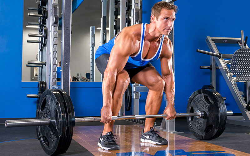 Build a Big and Thick Back Performing Deadlifts