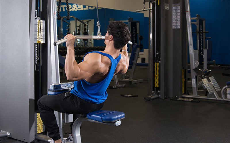 Build Strength with Heavy Negatives: Lat Pulldowns
