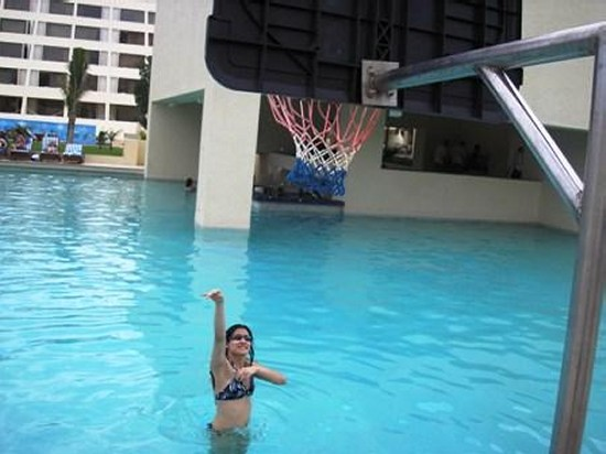 Vacation Workout Swimming Pool Basketball