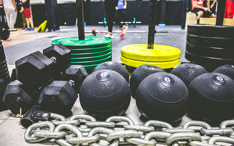 Commercial Gyms: Lots of equipment to choose from