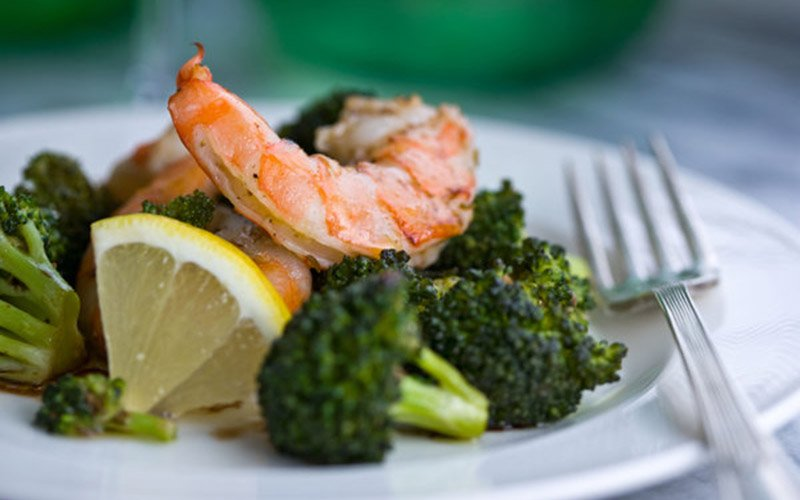 Healthy High Protein Dinners - Roasted Shrimp and Broccoli