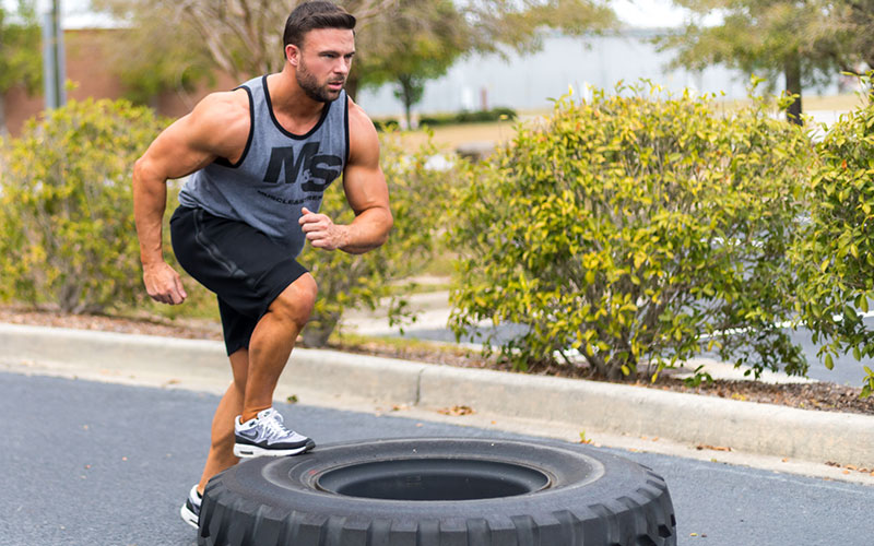 Athlete who warms up and performs plyometric training