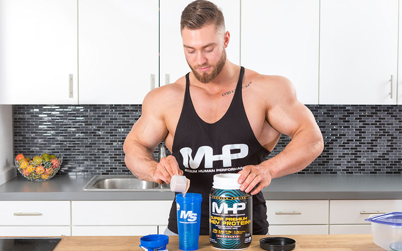 Chris Bumstead Getting Protein Preworkout