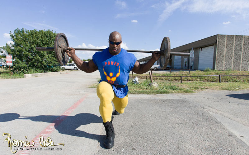 Ronnie Coleman Performing Lunges To Improve Squat