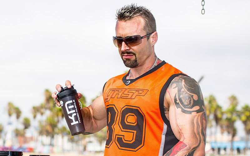 Kris Gethin Shaking his Whey Protein