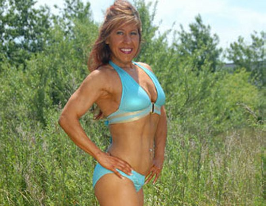 Denise Batalha Figure Competitor