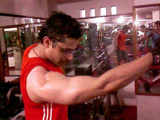 Sameer Khan biceps.