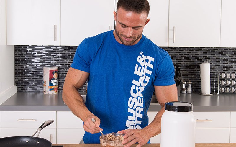 Pre-Workout Nutrition: 4 Strategies to Improve Performance & Maximize Results