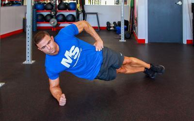 3 Killer Side Plank Variations to Build Your Obliques