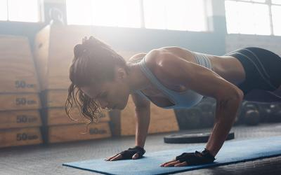 5 Challenging Plank Variations (& Tips to Help You Master Them)