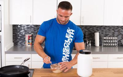 7 Muscle Building Bedtime Meals & Snacks
