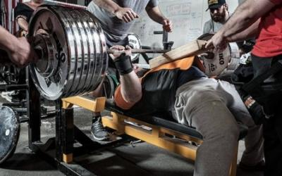 5 Reasons Why Your Bench Press Sucks