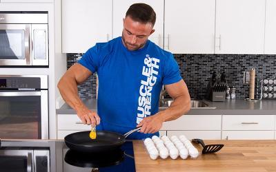10 Essential Muscle Building Protein Foods