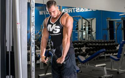 4 Triceps Exercises Everyone Should Do