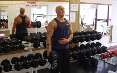 One Arm Standing Hammer Curl