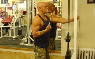 Reverse One Arm Cable Tricep Extension