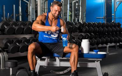 Casein Protein Expert Guide: Types, Benefits, Dosages & FAQ