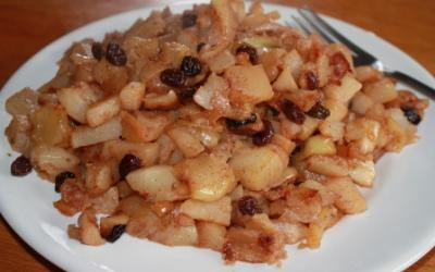 Fried Turnips With Apples, Raisins And Bacon