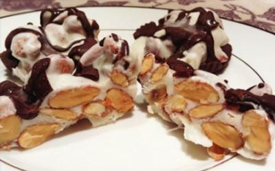 Drizzled Protein Coated Almond Bites