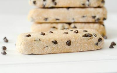 Banana Chocolate Chip Protein Bars