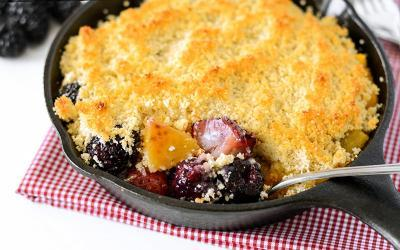 Low Carb Berry Cobbler Crumble Recipe