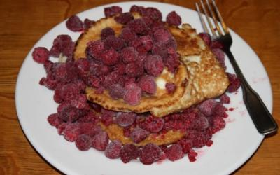 Low Carb Pancakes With Raspberries