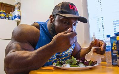 [Video] Full Day of Eating on Prep w/ Akim Williams