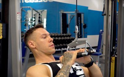 How to Isolate Your Back Muscles When Doing Pull Downs & Rows