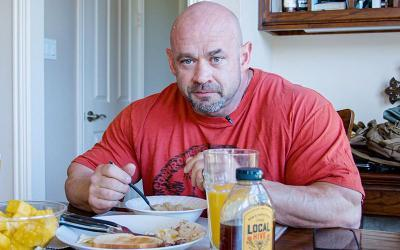 What Bodybuilders Eat for Breakfast w/ Branch Warren