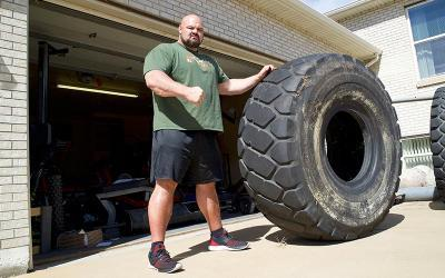 [Video] World's Strongest Man Brian Shaw Home Gym & Trophy Tour