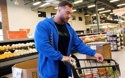 [Video] Grocery Shopping with Pro Bodybuilders w/ Chris Bumstead
