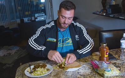 What Pro Bodybuilders Eat for Dinner w/ Chris Bumstead