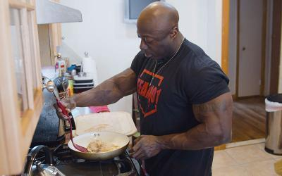 [Video] What Bodybuilders Eat for Lunch w/ George Peterson