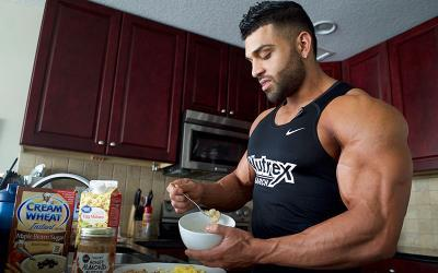 What Physique Pros Eat for Breakfast w/ Gerardo Gabriel