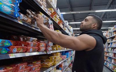 Grocery Shopping with Physique Pros w/ Gerardo Gabriel