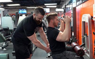 Quick Tip: How to Perfect Your Lat Pull Downs